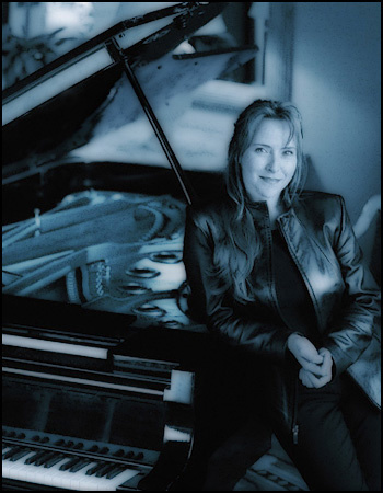 Pianist/composer Kimberly Reeves Parker for web and promotional materials