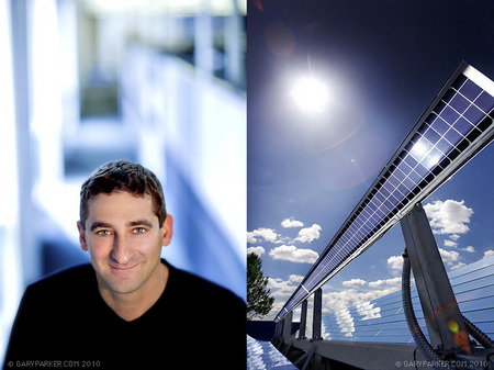 Congenra Solar CEO Dr Gilad Almogy, alongside his unique, mirror-based solar product.
